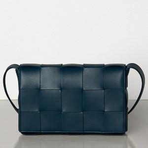 Bottega Veneta Cassette Bag In Dark Blue Lambskin