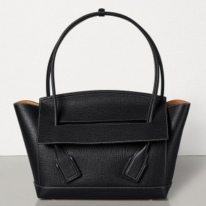 Bottega Veneta Arco 33 Bag In Black Grainy Calfskin