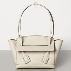 Bottega Veneta Arco 33 Bag In White Grainy Calfskin