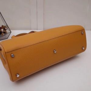 Gucci Zumi Medium Top Handle Bag In Burnt Orange Grainy Leather