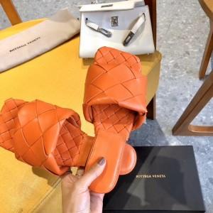 Bottega Veneta BV Lido Flat Sandals In Orange Lambskin