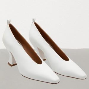 Bottega Veneta Almond Toe Pumps In White Nappa Leather