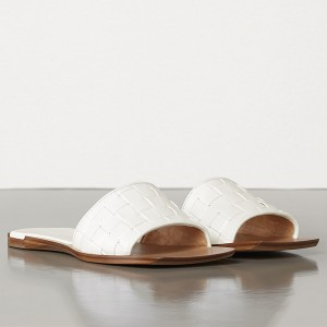 Bottega Veneta Intrecciato Slides In White Nappa Leather