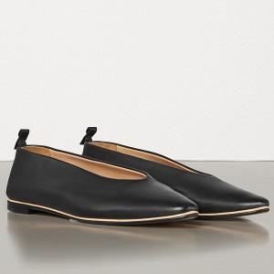 Bottega Veneta Almond Flats In Black Nappa Leather