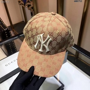 Gucci Beige Baseball Hat With NY Yankees™ Patch